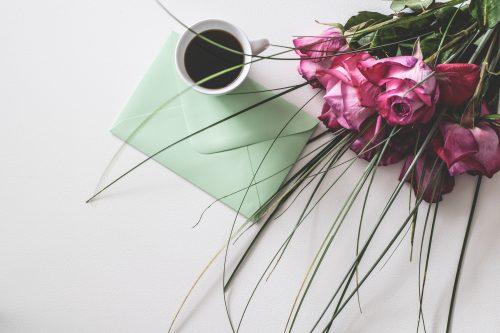招待状の王道「紙の招待状」